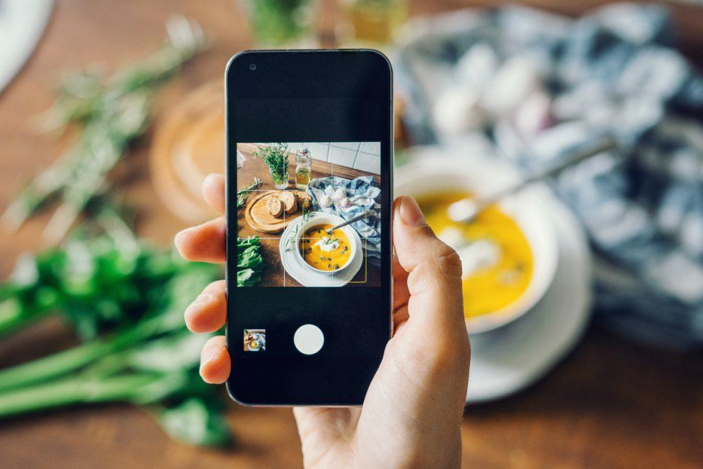話題の『Instagram Story』とは? 後編:担当者必見!導入・活用のポイント | SOME MEDIA